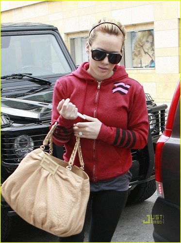 Hilary out in Hollywood