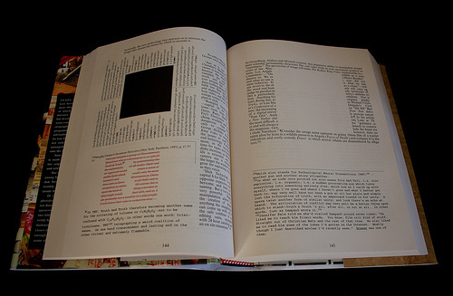 House of Leaves - Open Book