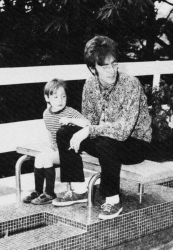 John Lennon 바탕화면 titled John & Julian