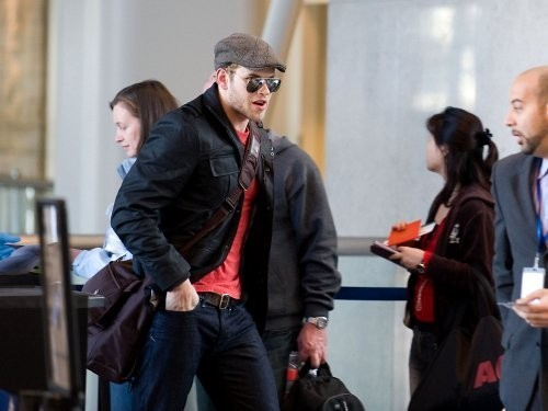 Kellan Lutz - Los Angeles International Airport