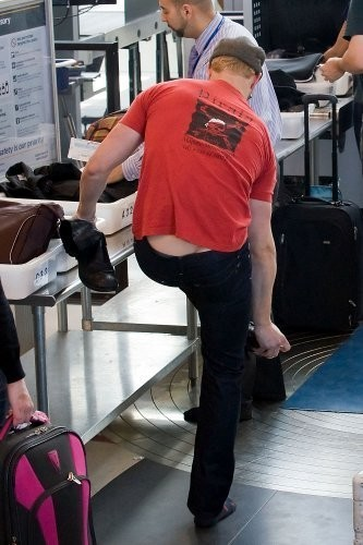Kellan Lutz - Los Angeles International Airport