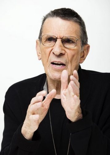 Leonard Nimoy wallpaper entitled Leonard Superior Pics Shoot