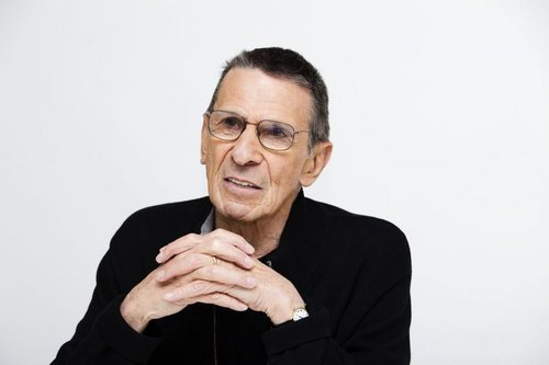 Leonard Nimoy wallpaper called Leonard Superior Pics Shoot