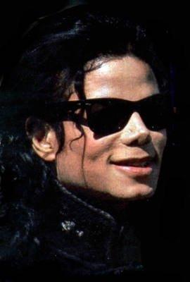MICHAEL YOU ARE BEAUTIFUL!!! I pag-ibig YOU madami THAN LIFE <3333