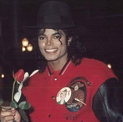 MICHAEL YOU ARE BEAUTIFUL!!! I pag-ibig YOU madami THAN LIFE <3333