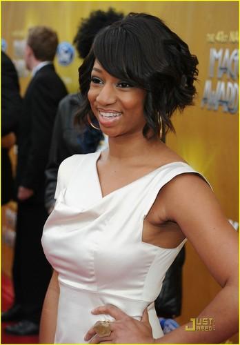 Monique @ 2010 NAACP Image Awards