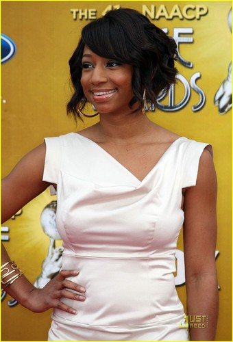 Monique @ 2010 NAACP Image Awards