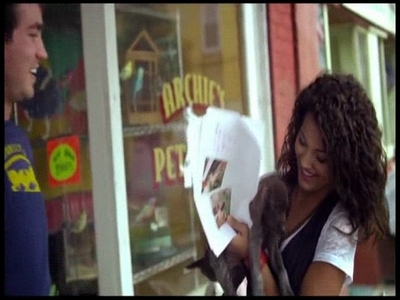 muziki video > 2009 > One Less Lonely Girl