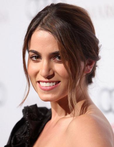 Nikki@ Camilla Belle Celebrates Oscar Fashion 28.09