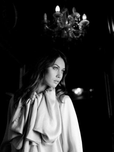 Olga Kurylenko | Cedric 봉고차, 반 Mol Photoshoot
