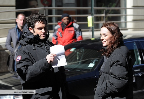 Penn and Leighton behind the set