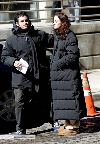 Penn and Leighton behind the set
