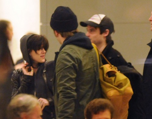 Rob, Kristen and Tomstu arriving in NY