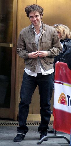 Robert Pattinson Visits The Today toon