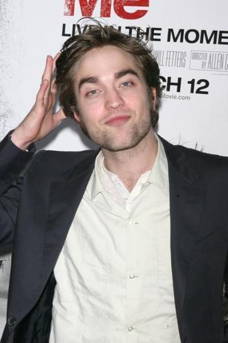 Robert Pattinson at the Premiere of Remember Me
