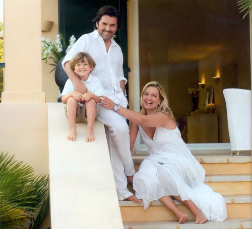 Thomas Anders achtergrond called Thomas Anders & Fam