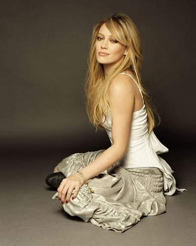 Hilary Duff fond d'écran titled photo shoots