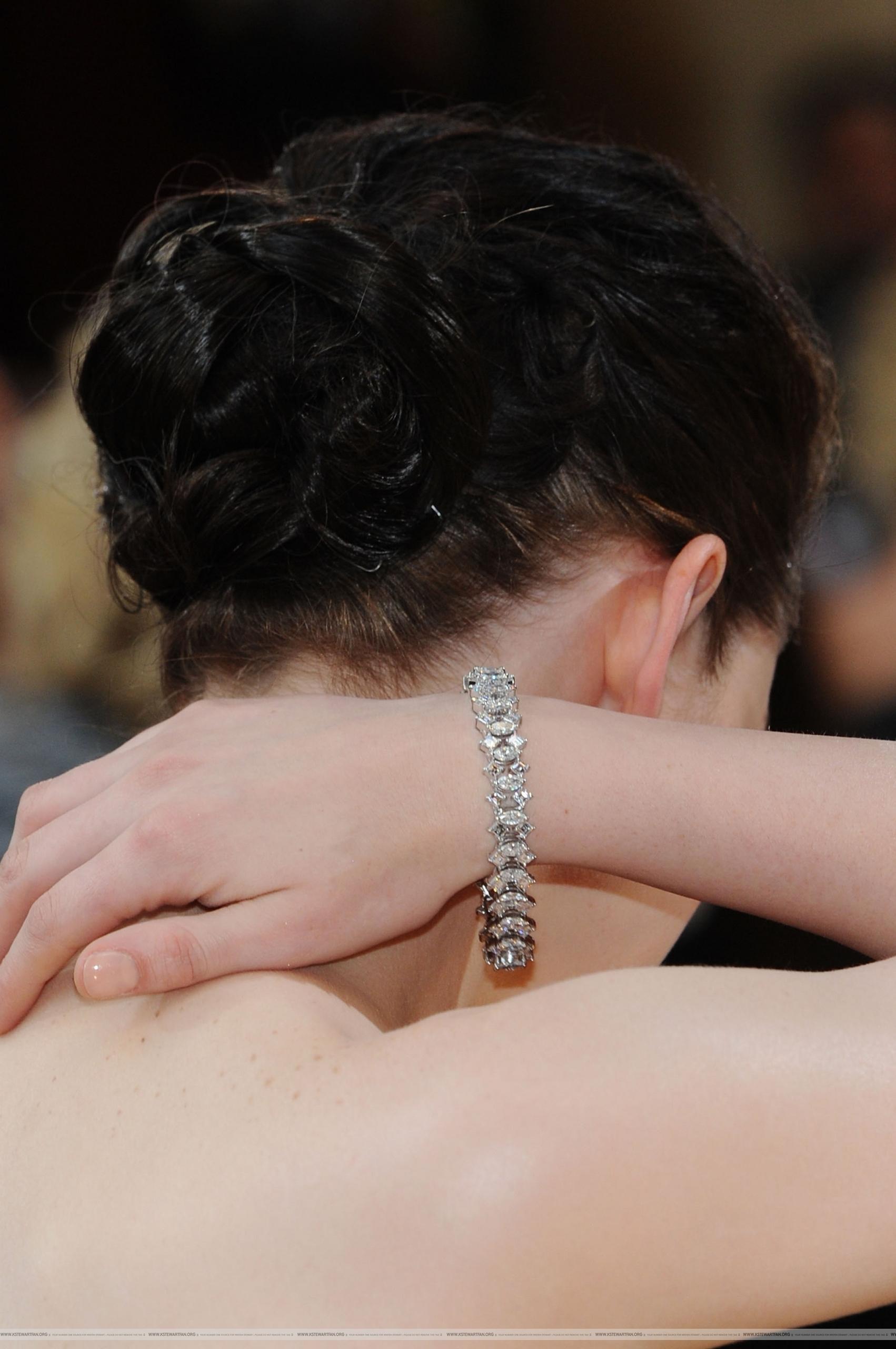আরো Pictures of Kristen Stewart on the Red Carpet For the Oscars