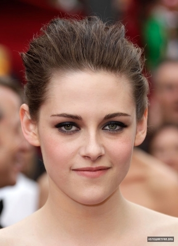 meer Pictures of Kristen Stewart on the Red Carpet For the Oscars