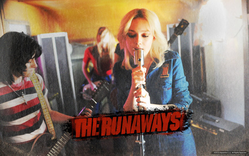 2010: The Runaways Official achtergronden