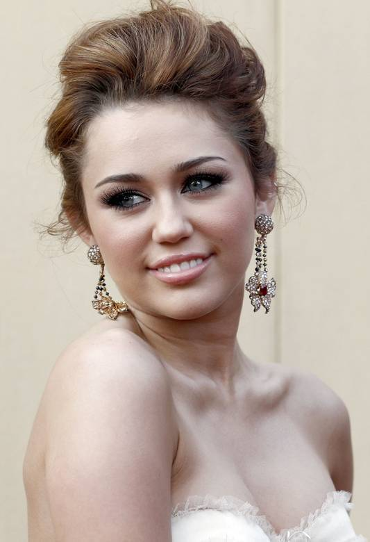 82nd Annual Academy Awards 2010 - miley-cyrus photo