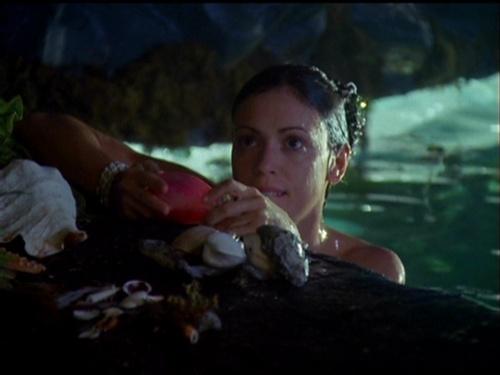 Alyssa Milano as Phoebe Halliwell on Charmed;)<3♥