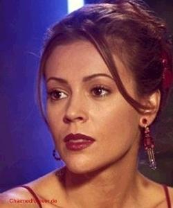 Alyssa Milano as Phoebe Halliwell on Charmed;)<3