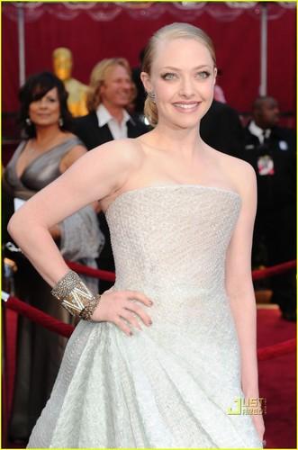 Amanda @ 2010 Oscars