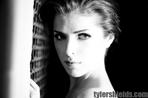 http://images2.fanpop.com/image/photos/10700000/Anna-Kendrick-twilight-series-10796089-504-336.jpg