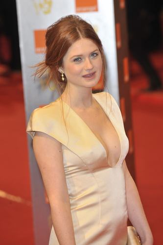 BAFTA 2010 HQ - bonnie-wright Photo