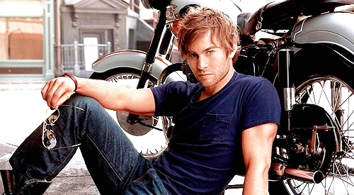Mis relaciones ;) Chace-Crawford-chace-crawford-10717985-500-275