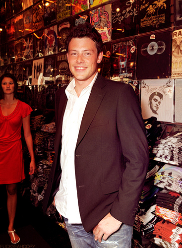 Cory Monteith achtergrond titled Cory Monteith