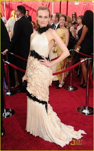 Diane @ 2010 Oscars
