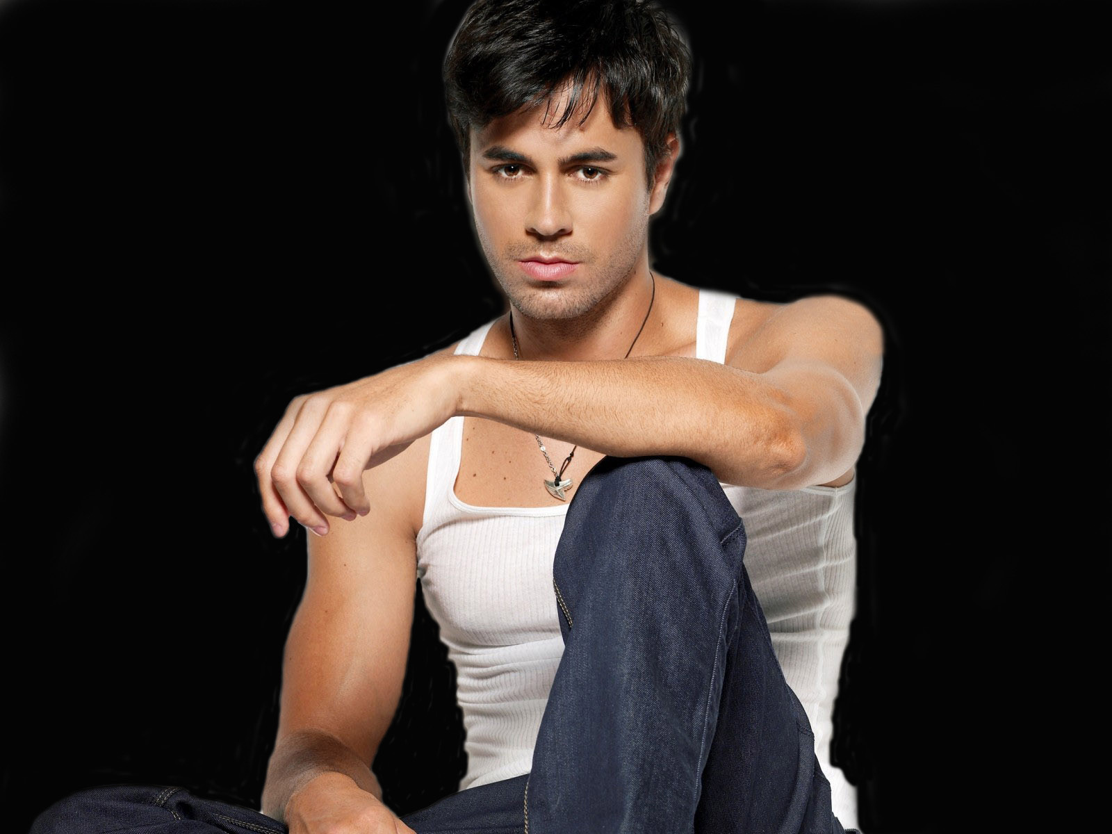 Enrique Iglesias - enrique-iglesias wallpaper