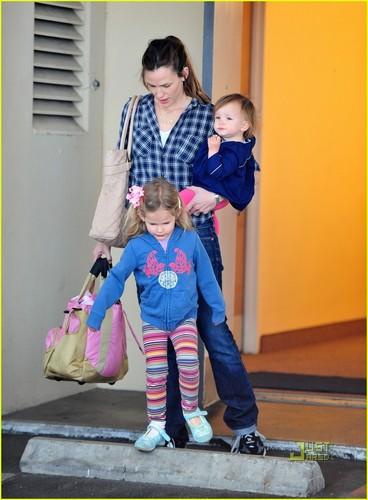 Jennifer, violeta & Seraphina