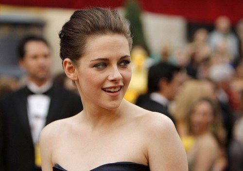 Kristen Stewart at the 2010 Academy Awards