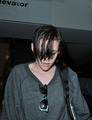 Kristen arriving home Tuesday from NYC - twilight-series photo