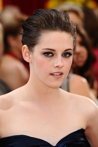 Kristen at 82nd Annual Academy Awards 2010