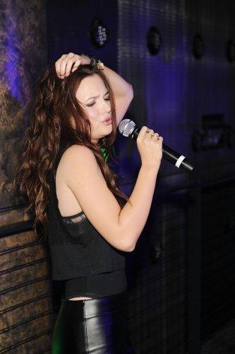 Leighton Performs at Haze Nightclub!