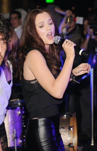 Leighton performs at Haze nightclub!