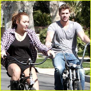 MILEY MARCH.5 FRIDAY WITH LIAM!