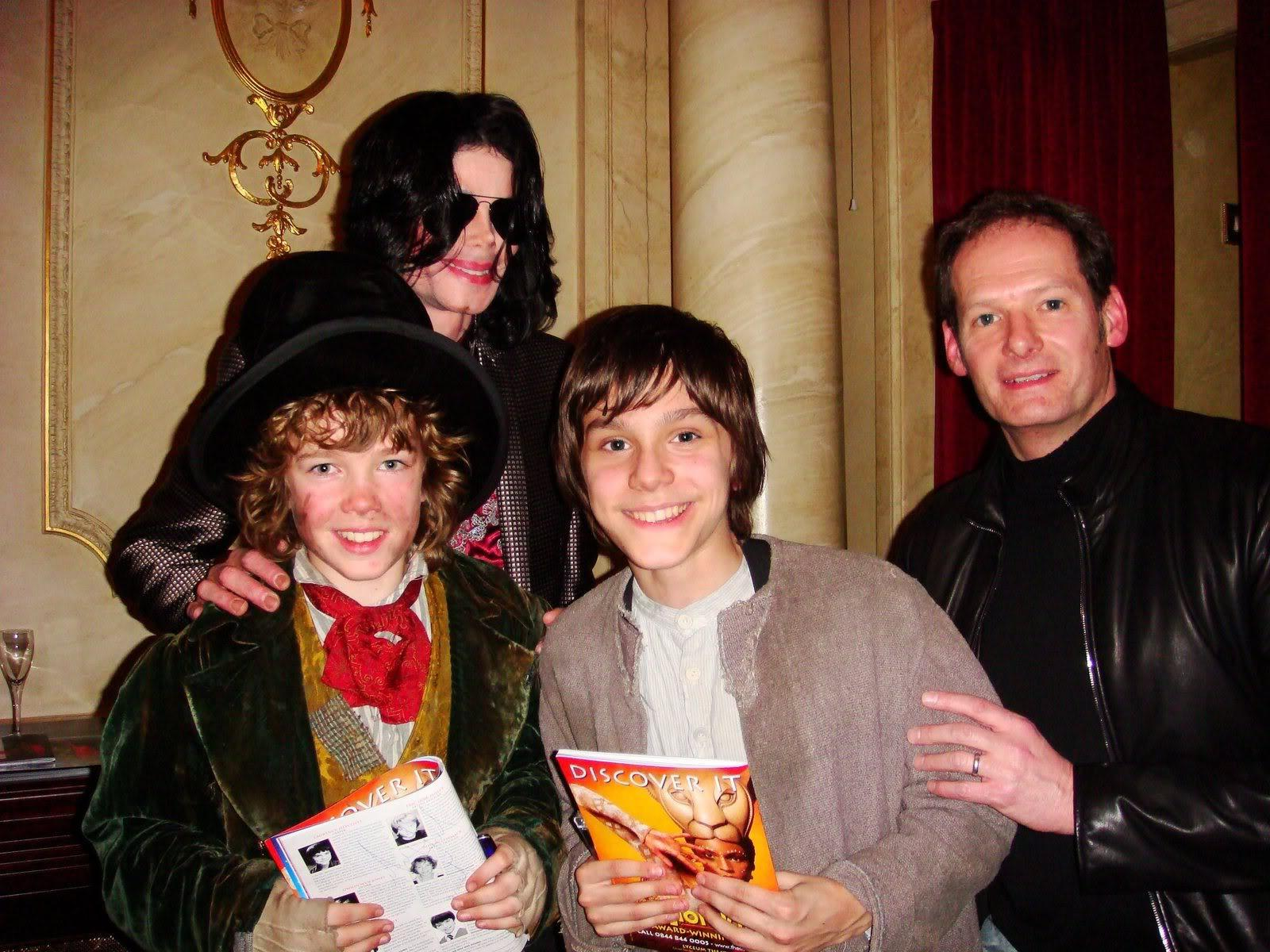 MJ And Oliver cast March 2009