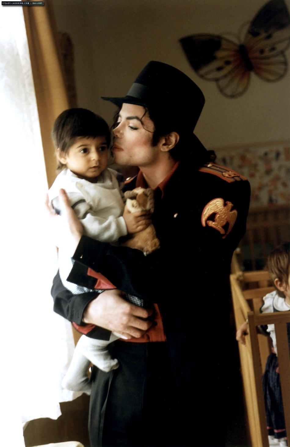 DIA DE LA TIERRA HOMENAJE PARA MIKE MJ-and-children-michael-jackson-10762079-950-1462