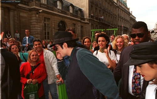 MJ in Versailles castle