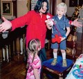 Michael and his kids - michael-jackson photo