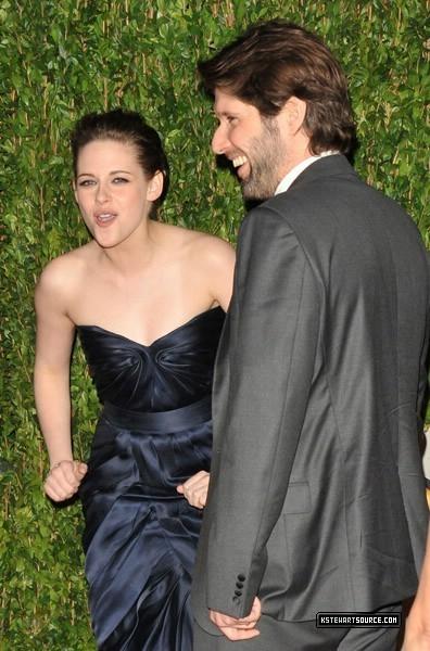 ছবি Of Kristen Stewart Arriving At The Vanity Fair Oscar Party