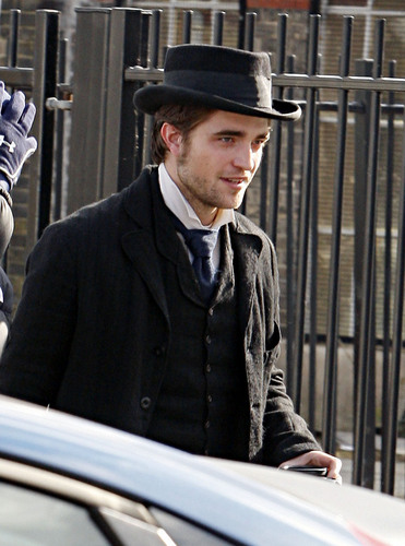 Pictures of Rob on the set of 'Bel Ami' today