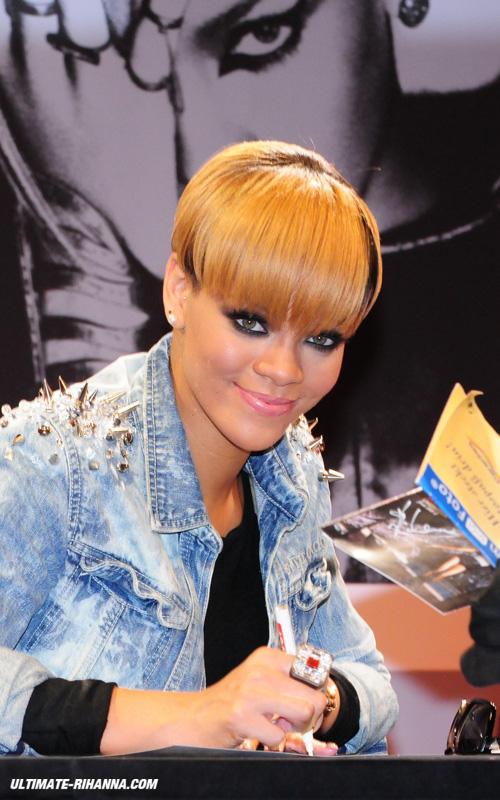 Rihanna Autograph | www.imgkid.com - The Image Kid Has It!