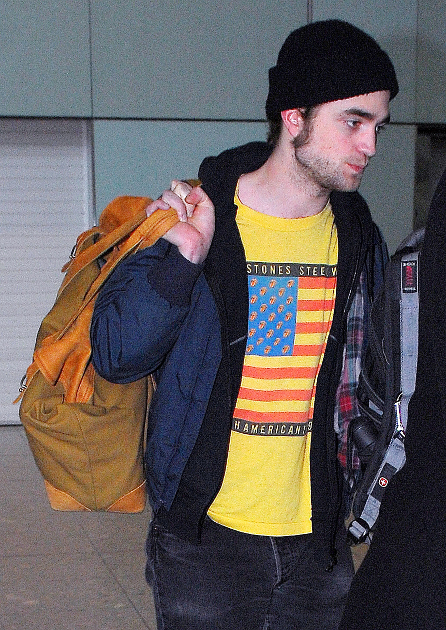 Rob Returns To The UK - Spotted at Heathrow Airport