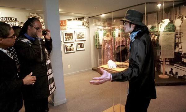 Stevie Taking MJ's Pic